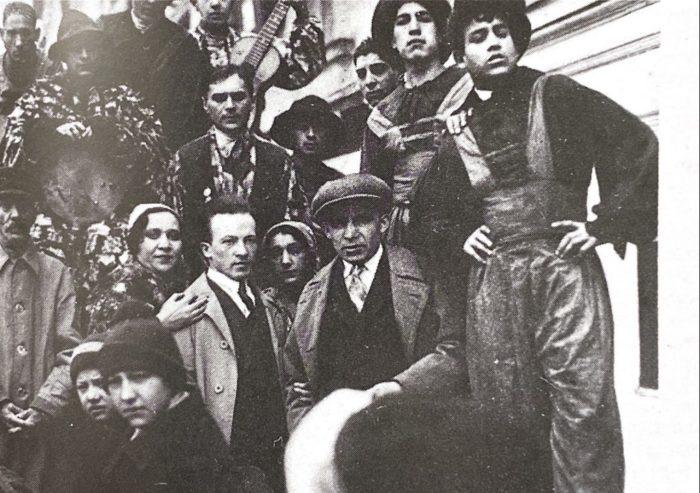 Бригада студийцев с главным режиссёром театра и художественным руководителем студии М.И. Гольдблатом